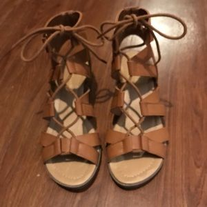 City Classified Strappy Lace Up Low Heel size 5.5